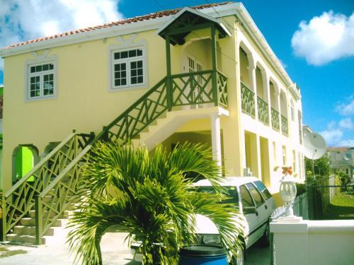 Nicolodge Apartments
