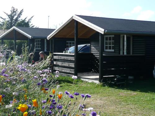 Lønstrup Camping Cottages & Rooms