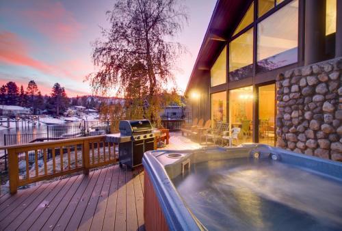 Waterfront Apres' Ski Cabin
