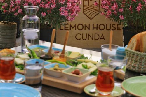 Lemon House Cunda