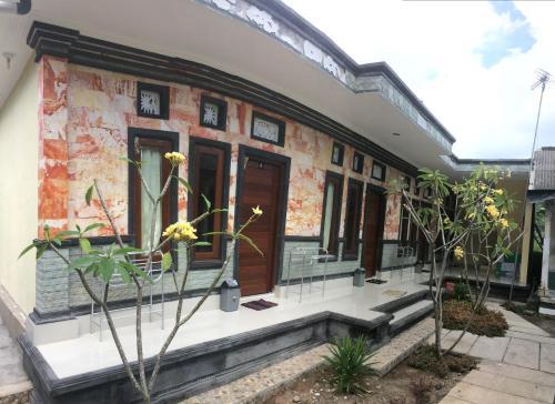 Manik House