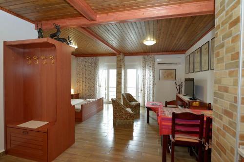 Brand New Amazing Apartment in Ialisos Centre