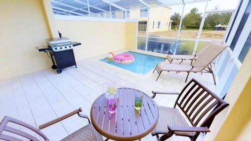 ACO FAMILY – 3 bd with pool (1750)
