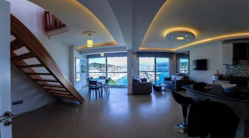 Luxury Apartment with Seaview