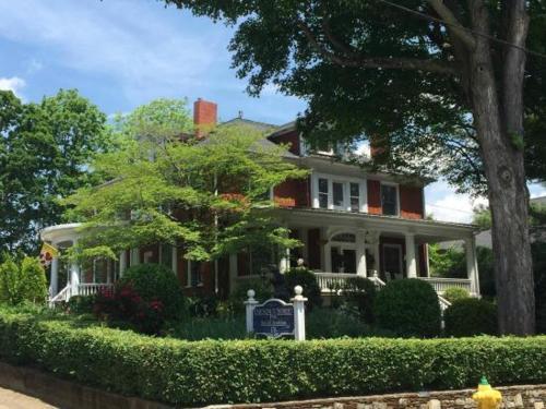 Chestnut Street Inn