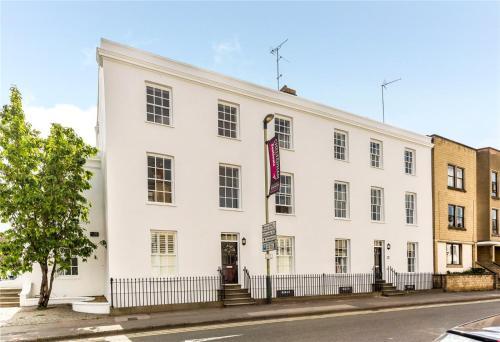 3 Gainsborough House