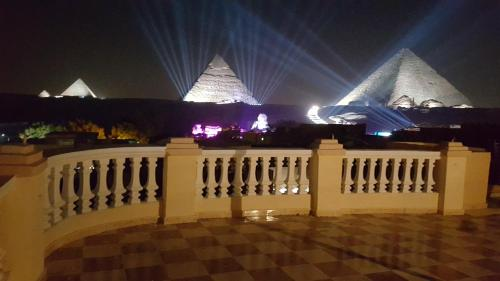 Royal Pyramids Inn