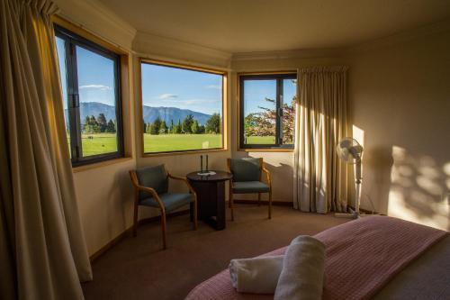 Te Anau Holiday Houses - Dusky Retreat