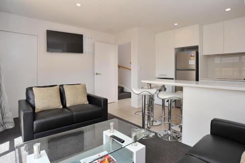 Madras Street Apartment 1 - Christchurch Holiday Homes