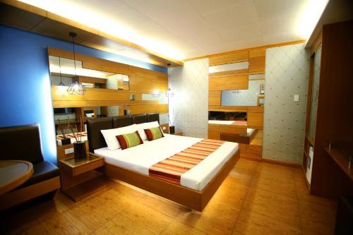 Hotel 2016 Manila