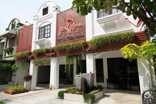 Yes Vegan Hostel Pattaya