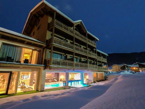 I 10 migliori hotel a 4 stelle di livigno italia - Livigno hotel con piscina ...