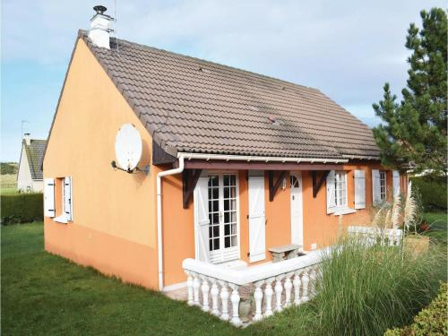 Three-Bedroom Holiday Home in Creances