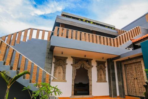 Clover Bali House
