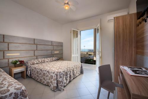 Bagno Mediterraneo Lido Di Savio : Die 10 besten hotels am strand meer in lido di savio italien