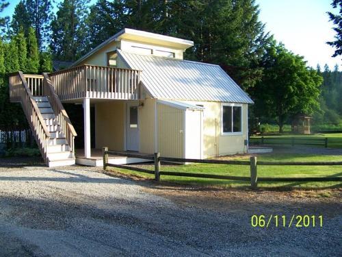 6689 W Harbor Drive Cottage Cottage