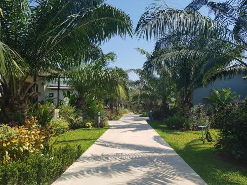 Palm Pran Resort