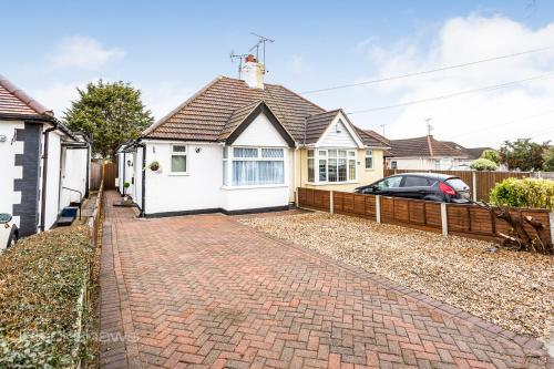 The Woodlands Bungalow 1 5mi From Seafront