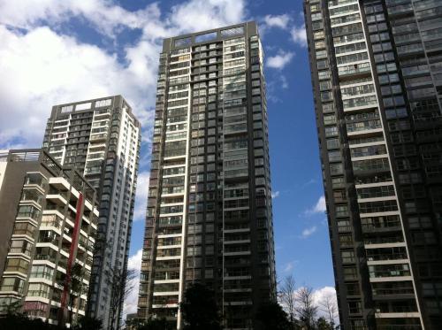 Howson Inn & Suites Kunming Plaza