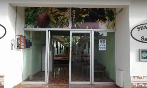 Avacado Rooms Hostel