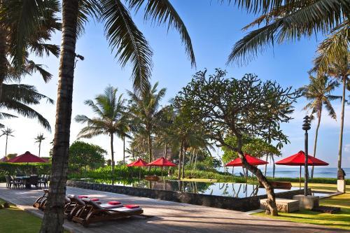 Ombak Luwung Beachfront Estate