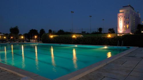 I 10 migliori hotel con piscina di milano marittima italia - Hotel con piscina milano ...