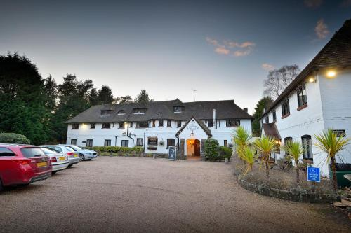 The Roundabout Hotel (Part of South Coast Inns)