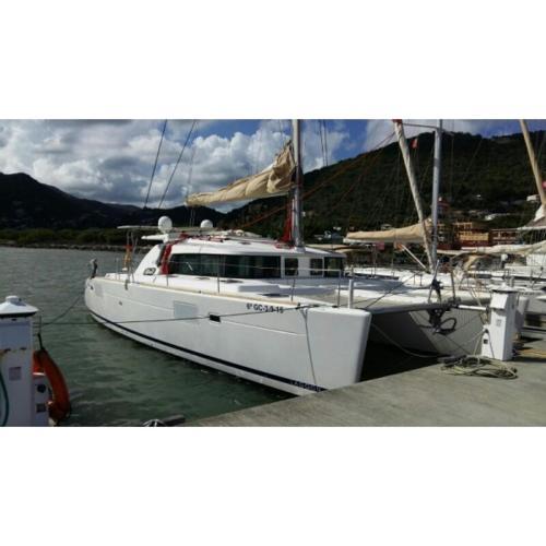 Catamaran Lagoon 440 Twin
