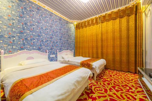 Yangshuo Ju Feng Building Theme Hotel