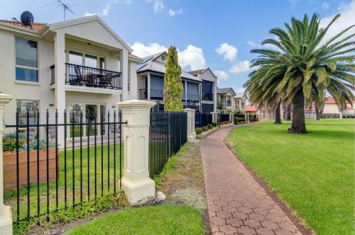 Port Adelaide Harbourside House