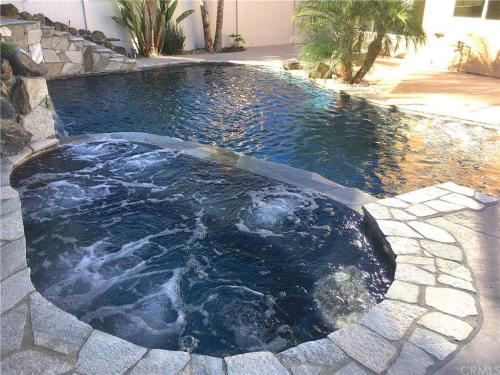 Fabulous Leigh · Fabulous Leigh VRBO in Wine Country-Pool/Spa