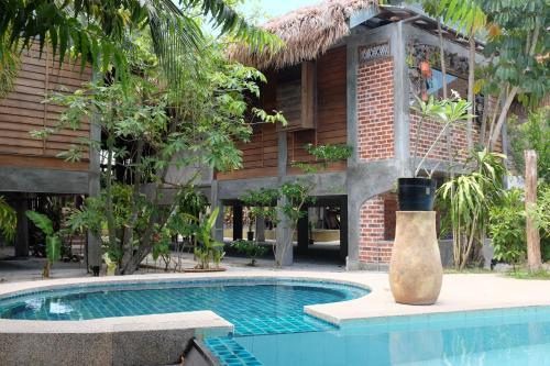 Panji Panji Tropical Wooden Home