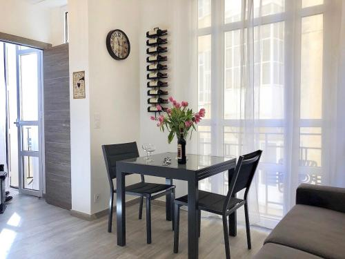Nice Centre Flat Modern, Quiet and freshly Renovated