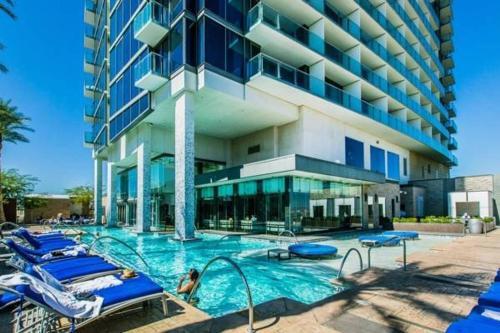 Penthouse 31st Floor Palms Place Studio 31