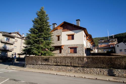 La Masella vacation homes. 27 vacation homes in La Masella ...
