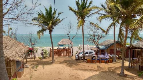 Silver Sands Beach Cottages