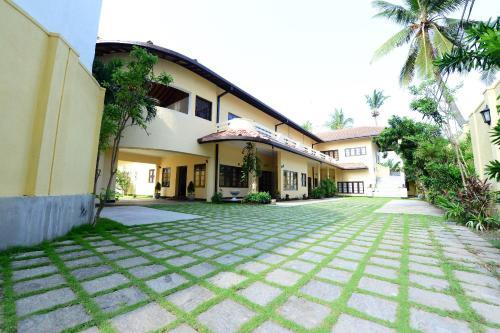 Ivy Residencies
