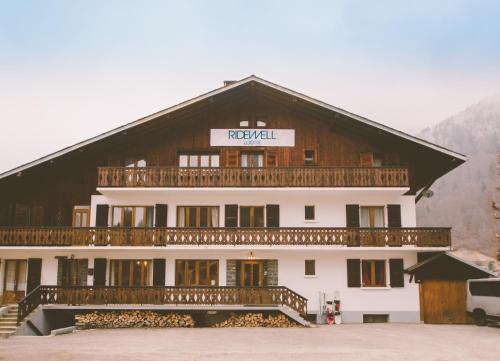Ridewell Montana Lodge