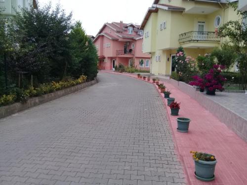 Triplex Villa with Sea View at Yildizli Bahcelievler