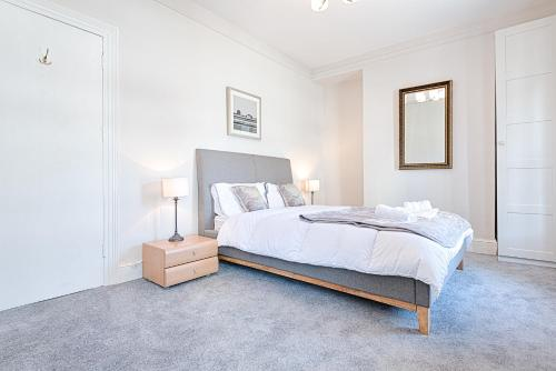Swansea Town House (5 minute walk to City Centre)