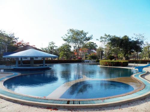 Cha-am Royal Beach