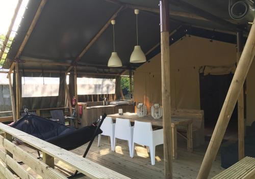 Lodge Holidays - Les 3 Cantons