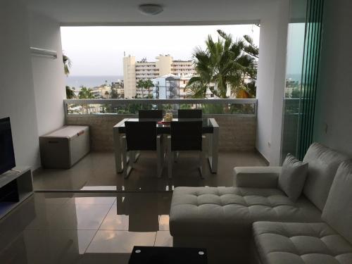 Description for a11y. Appartaments Deluxe. Playa del Inglés ...