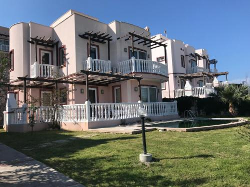 FS Bodrum Lakeside Holiday Villas