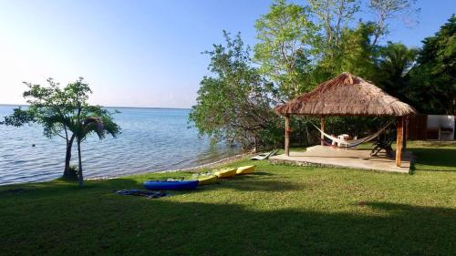Bacalar Laguna Club & Glamping