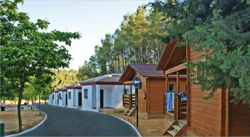 Description for a11y. Bungalows Camping Rafting Benameji