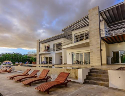 Villa Almendra Los Cobos