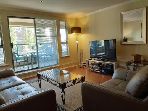 Fully furnished 2 bedrooms, 2 baths executive rental