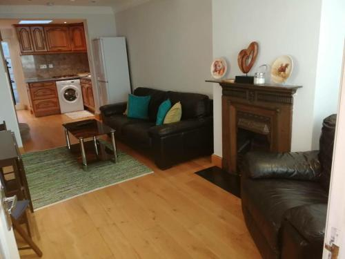 2 Bedroom Cottage with private patio