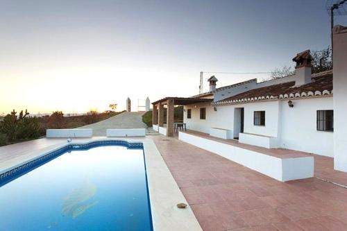Los 8 mejores hoteles con piscina de Sedella, España ...